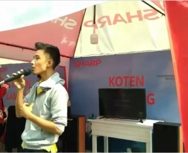Sharp Gelar Karaoke Challenges di Chandra