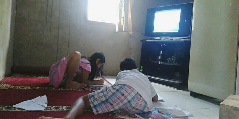 Siaran Belajar di Televisi Atasi Masalah Belajar Daring