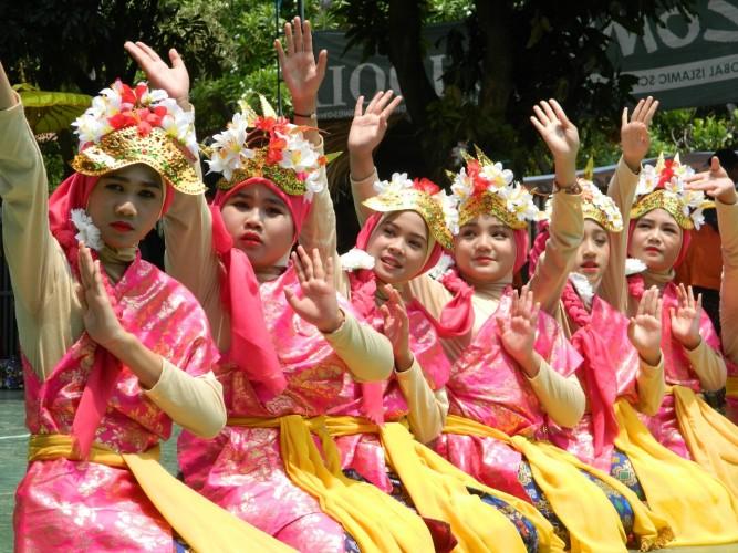 Siswa Lazuardi Peringati Hari Sumpah Pemuda dengan Festival Budaya