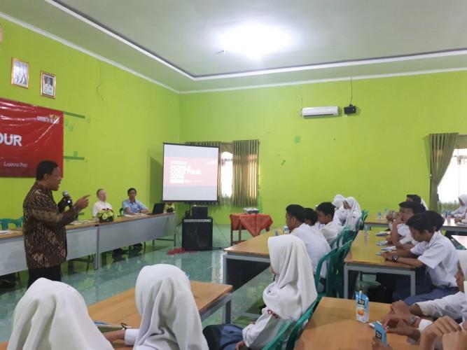 Siswa SMKN 1 Bandar Lampung Perdalam Kewirausahaan Bersama CCAI