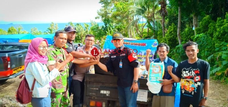 Slankers Brantasena Salurkan Bantuan Korban Tsunami