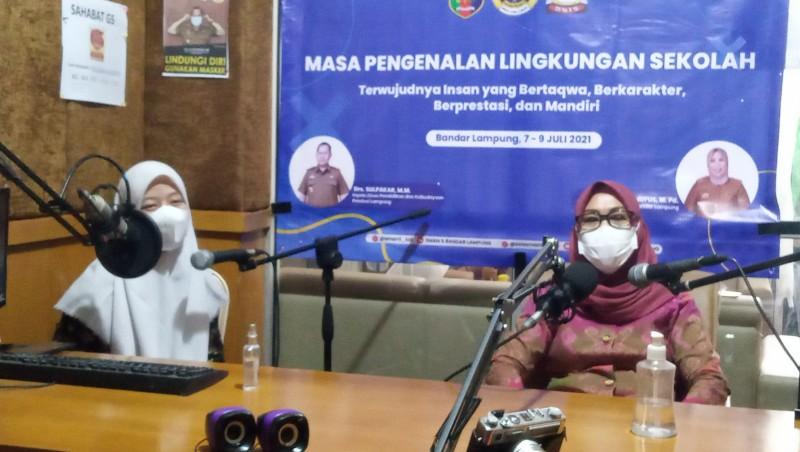 SMAN 5 Bandar Lampung Kenalkan Sekolah lewat Siaran Radio