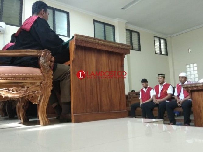 Soal Sipir Minta 3 Ons Sabu, Para Terdakwa Ini Bersitegang di Persidangan