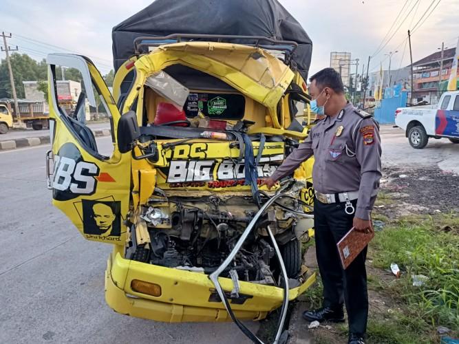 Sopir Truk Mengantuk Picu Kecelakaan Beruntun