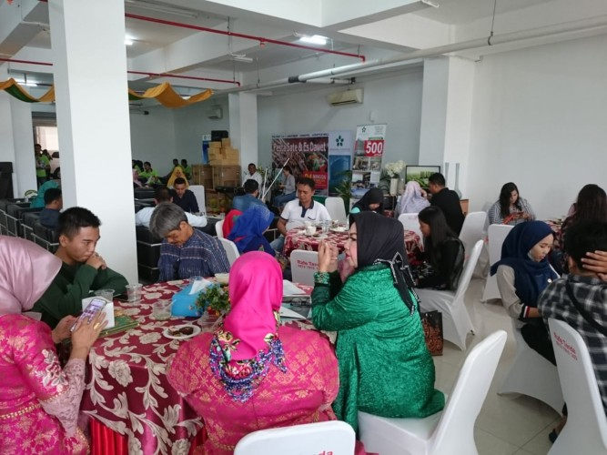 Springhill Condotel Lampung Gelar Pesta Sate dan Es Dawet