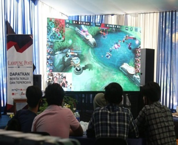 Squad Instinct Juara Lomba Mobile Legends HUT <i>Lampung Post</i>