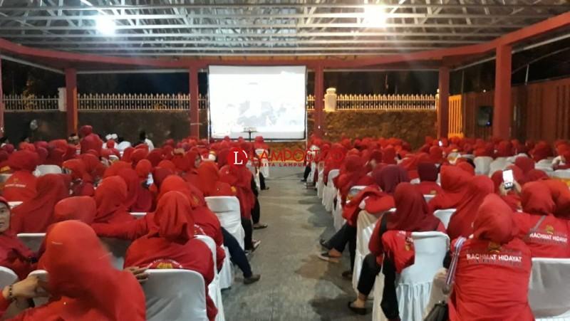 Srikandi Jokowi-Amin Lampung Nobar Debat