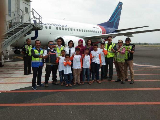 Sriwijaya Air Tamasya Bersama Anak Yatim