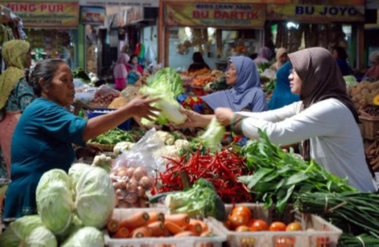 Stok Bahan Pangan Pokok Jelang Nataru di Beberapa Pasar Bandar Lampung Terpantau Aman