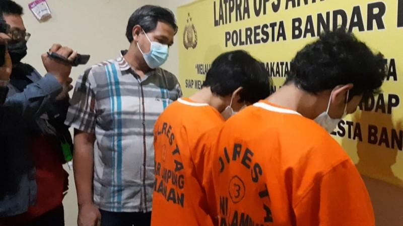 Stok Gorila untuk Puasa, Dua Pemuda Kedamaian Ditangkap