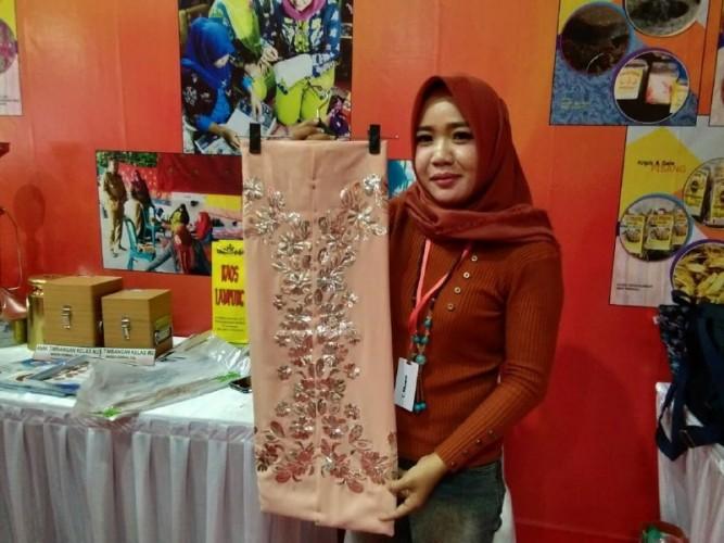 Sulam Maduaro Khas Tulang Bawang Ada di Lampung Fair