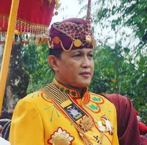 Sultan Sekala Bkhak Titip Harapan Pada Mukhlis Basri