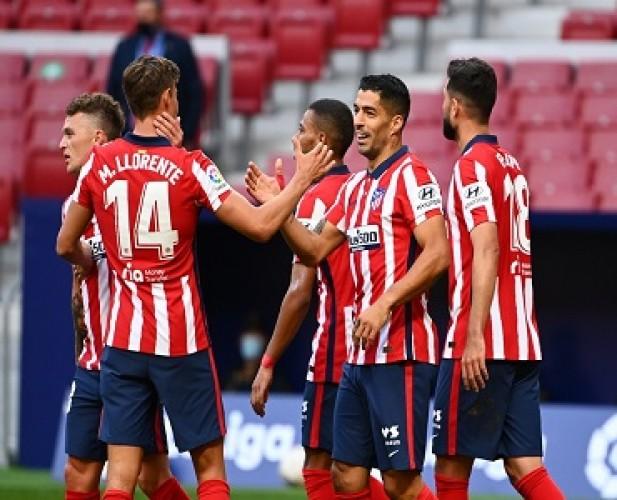 Sumbang 2 Gol, Luis Suarez Bantu Atletico Bantai Granada