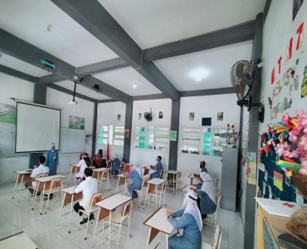 Surabaya Menerapkan 3 Metode Belajar Selama Pandemi Covid-19