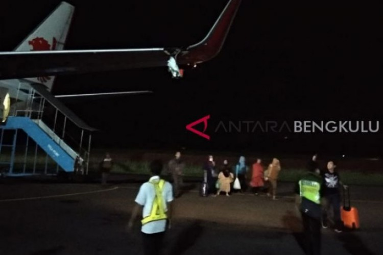 Tabrak Tiang, Lion Air Rute Bengkulu-Jakarta Batal Terbang