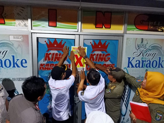 Tak Miliki Izin Operasional, King Karaoke Ditutup