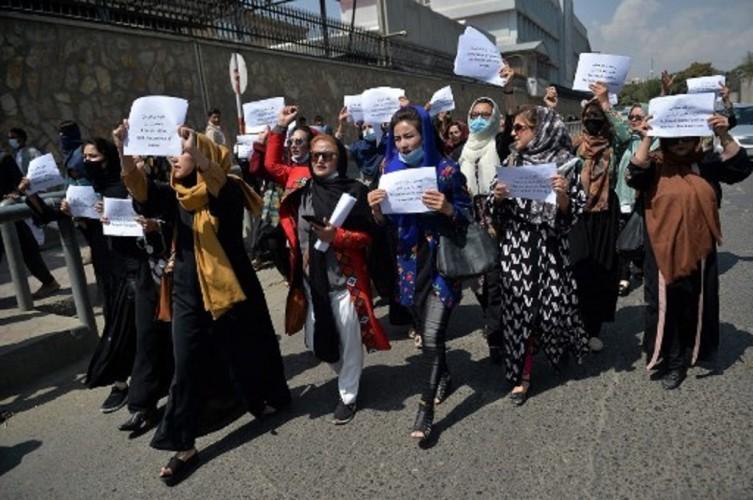 Taliban Bubarkan Unjuk Rasa Perempuan di Kabul dengan Tembakan
