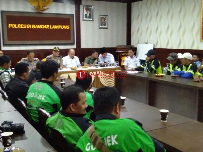 Tarif Transportasi Online Naik, Go-Jek Tunggu Permenhub