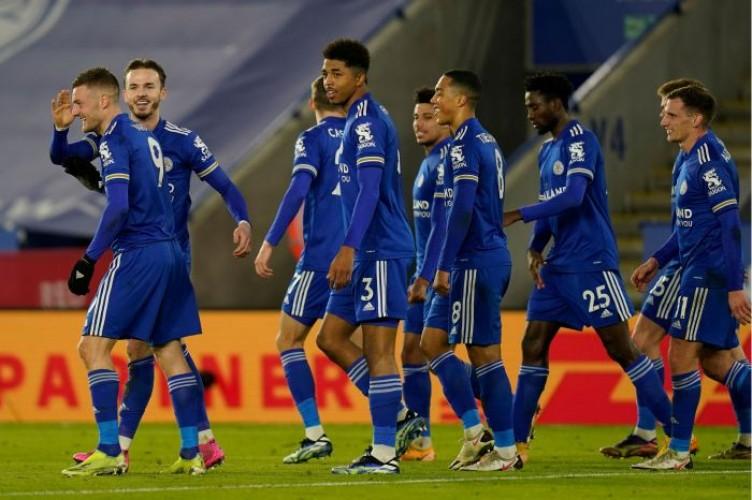 Tekuk Chelsea, Leicester Merangsek ke Puncak Klasemen