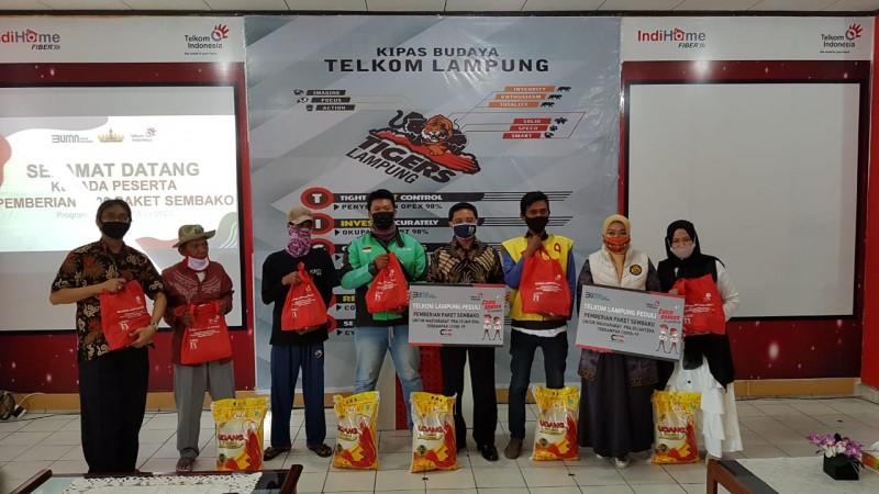 Telkom Lampung Salurkan 1.000 Paket Sembako kepada Warga Terdampak Covid-19