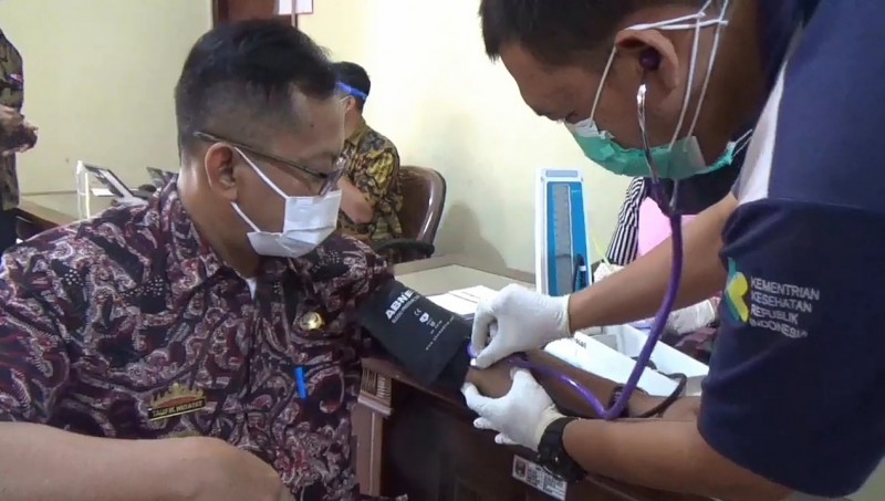 Tenaga Kesehatan di Tanggamus Mulai Divaksin Tahap Ketiga