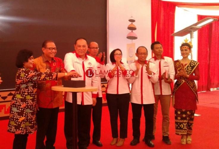 Tenaga Surya Aliri 2519 Desa se-Indonesia