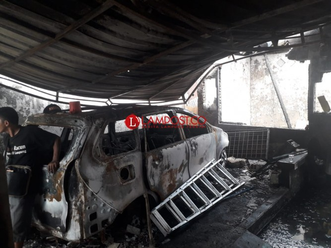 Terdengar 10 Kali Suara LedakanSaat Kebakaran di Sukaraja