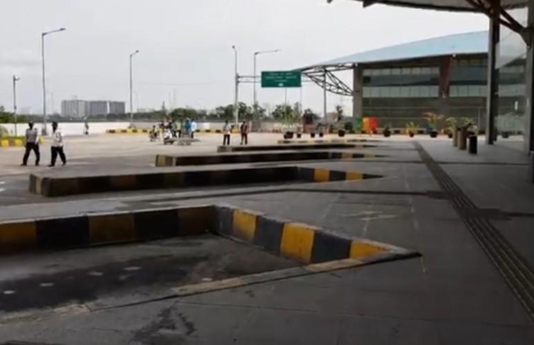 Terminal Pulogebang Berhenti Operasi