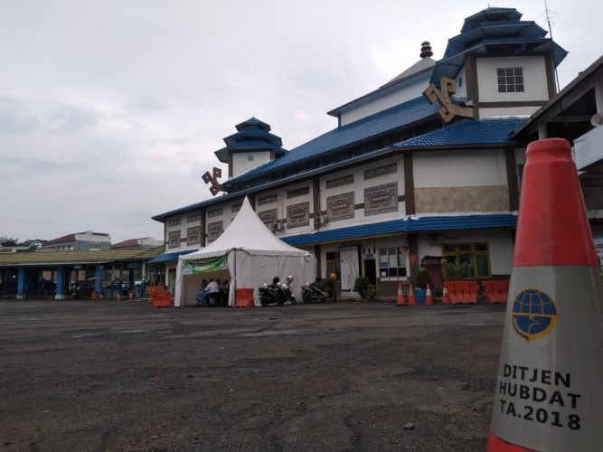 Terminal Rajabasa Lengang pada Hari Kedua Lebaran