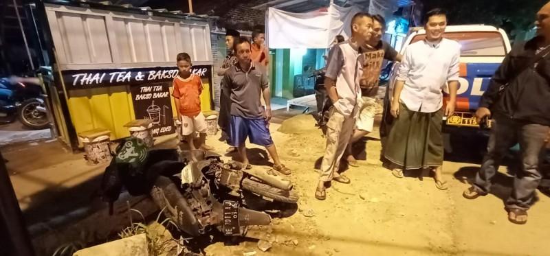 Terobos Perlintasan, Kaki Pengendara Vario Putus Terlindas KA di Kampung Baru