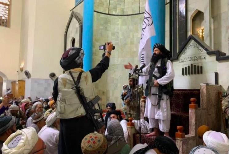 Teroris Paling Dicari Amerika Muncul Berdampingan dengan Taliban