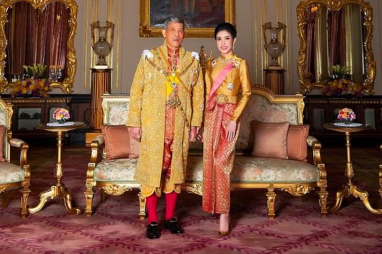 Tidak Setia, Raja Thailand `Telanjangi` Istri Barunya