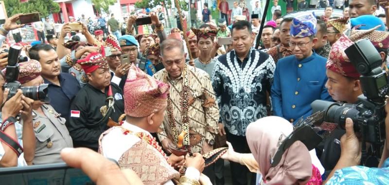 Tidak Suka Pancasila, Menhan Minta Keluar dari Indonesia