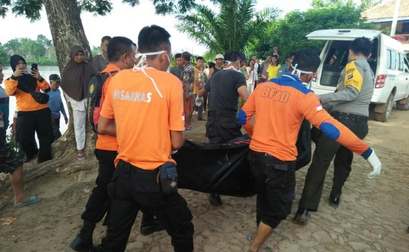 Tiga Korban Perahu Karam Ditemukan Tak Bernyawa