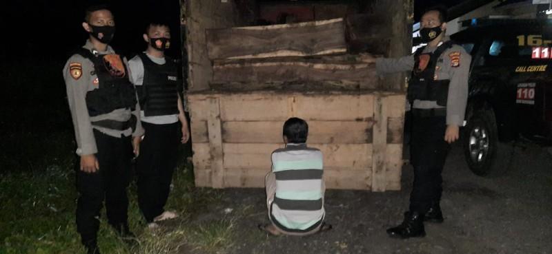 Tiga Pembalak Liar di Hutan Register Ditangkap