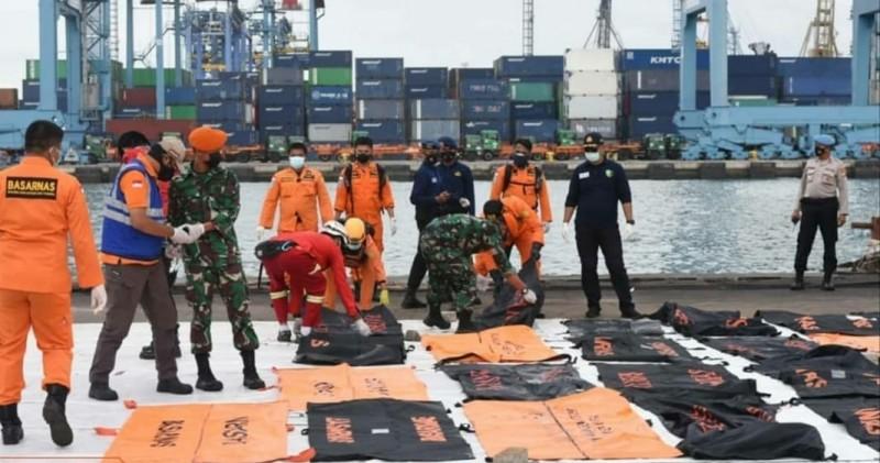 Tim SAR Gabungan Evakuasi 46 Kantong Jenazah