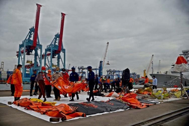 Tim SAR Sudah Kumpulkan 188 Kantong Jenazah Korban Sriwijaya Air SJ182