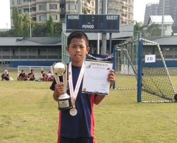 Tim Sepak Bola MK Lampung Raih Piala JES 7 Aside Tournamen