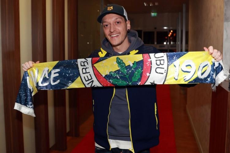 Tinggalkan Arsenal, Mesut Ozil Gabung ke Fenerbahce