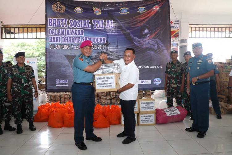 TNI AL Gelar Bakti Sosial di Lampung Selatan