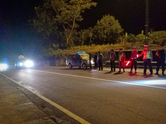TNI-Polri Gelar Patroli Bersama di Jalan Lintas Tengah