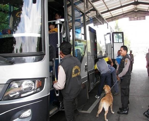 TNI-Polri Perkuat Pengamanan Pelabuhan Bakauheni saat Nataru