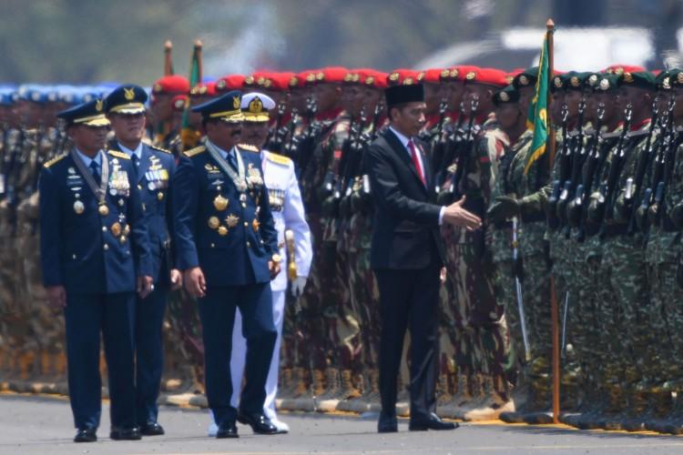 TNI Ungguli Jokowi dalam Survei Kepercayaan Publik