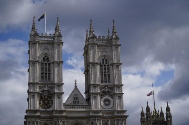Tribut untuk Pangeran Philip, Lonceng Westminster Abbey Berbunyi 99 Kali