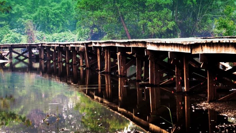 Truk Roda Enam ke Atas Diimbau Tidak Lewat Jembatan Way Rarem Lampura