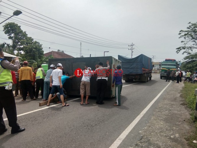 Truk Terguling, Lalu Lintas di Jalinsum Macet 2 Km