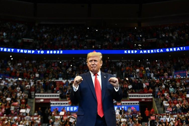 Trump Diundang Hadiri Sidang Perdana Pemakzulan