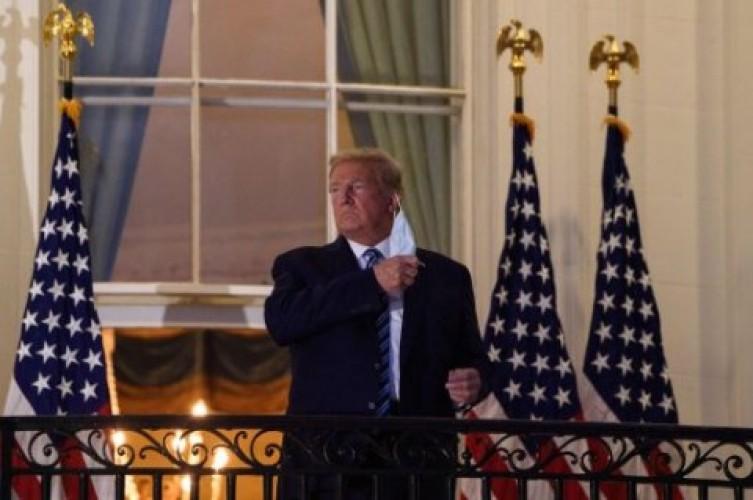 Trump Klaim Sudah Bebas Pengobatan Covid-19