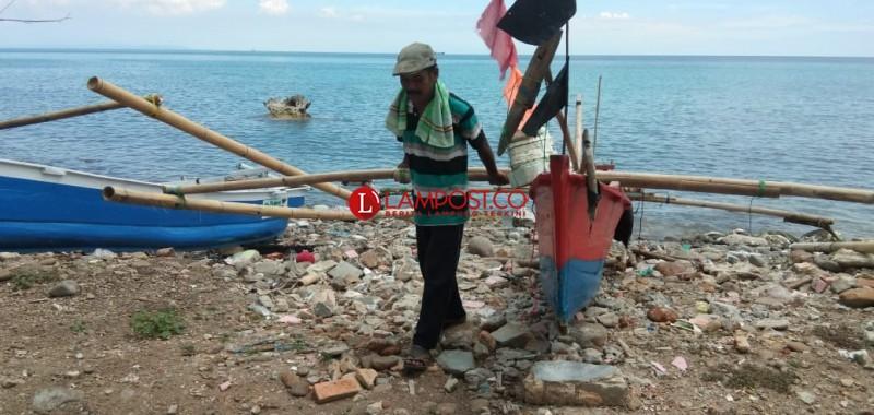 Tsunami Renggut Mata Pencaharian Joko