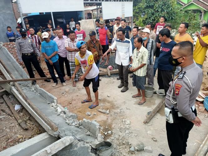 Tukang Bangunan di Katibung Tewas Tertimpa Tiang Cor